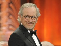 Steven Spielberg: Jaws, Close Encounters of the Third Kind, Raiders of the Lost Ark, ET, Jurassic Park, Schindlers List, Saving Private Ryan